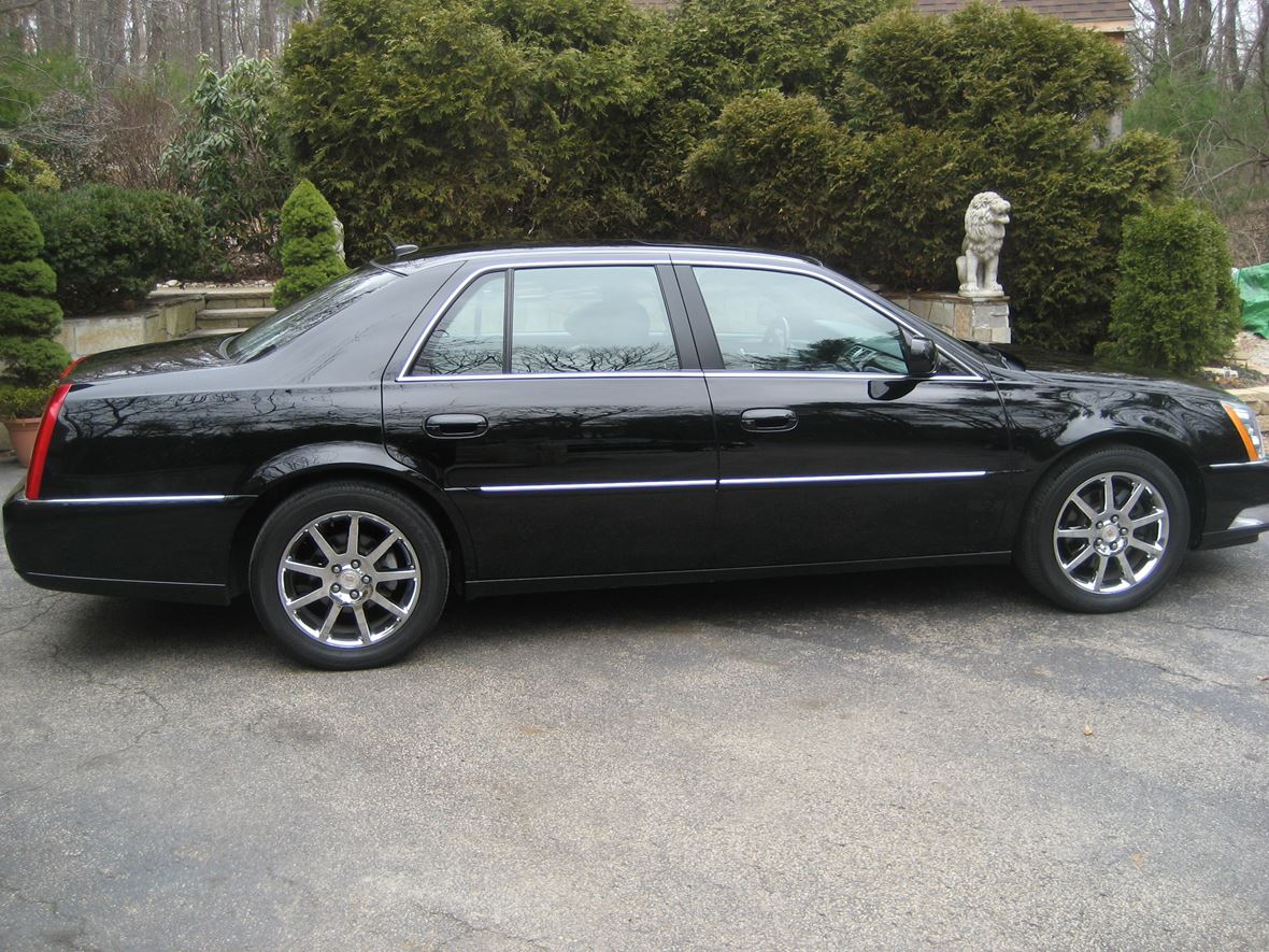 2007 Cadillac DTS for sale by owner in Windham