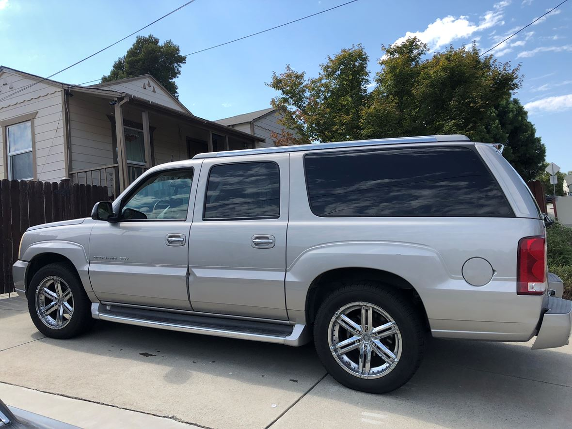 2004 Cadillac Escalade ESV for sale by owner in Rancho Santa Fe