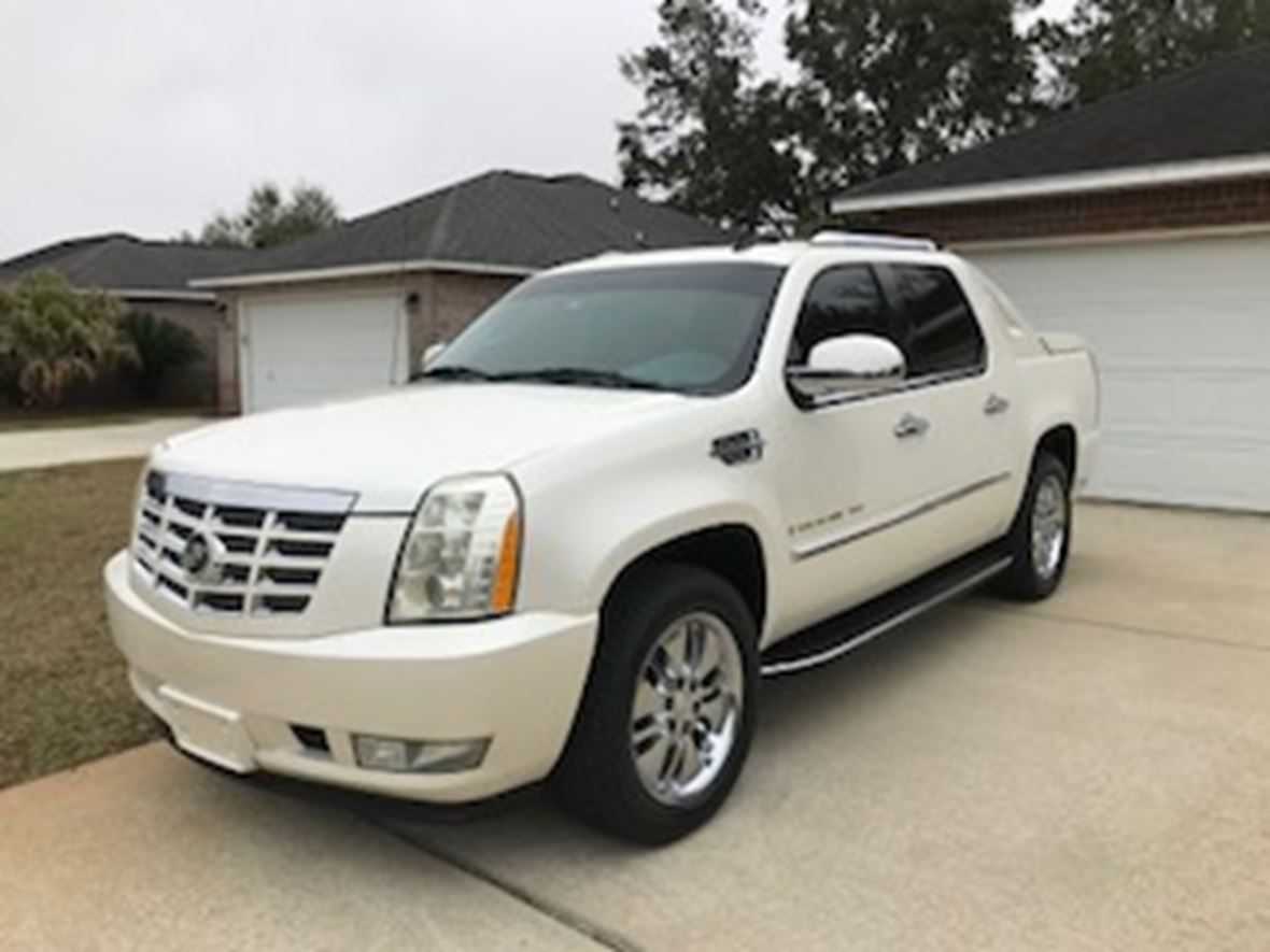 2007 Cadillac Escalade EXT for sale by owner in Navarre