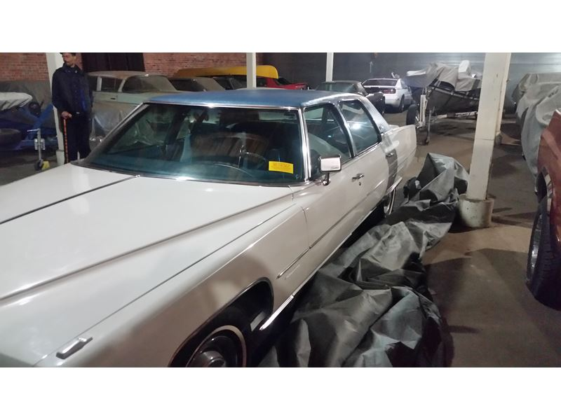 1976 Cadillac Fleetwood for sale by owner in Springfield