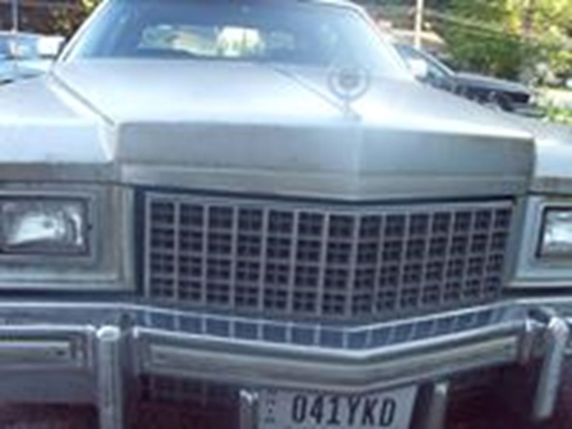 1976 Cadillac Fleetwood for sale by owner in Cleveland