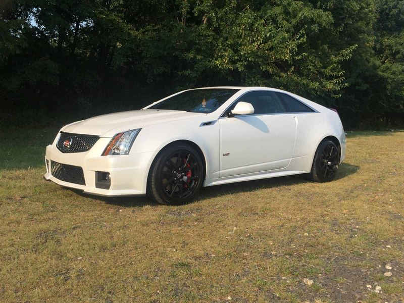 2015 cadillac sts v for sale by owner in croydon pa 19021. Black Bedroom Furniture Sets. Home Design Ideas