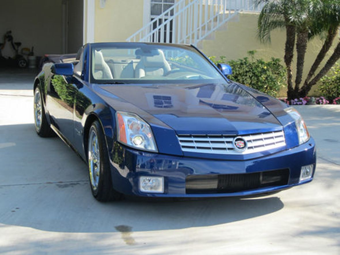 2004 cadillac xlr v for sale by owner in houston tx 77070. Black Bedroom Furniture Sets. Home Design Ideas