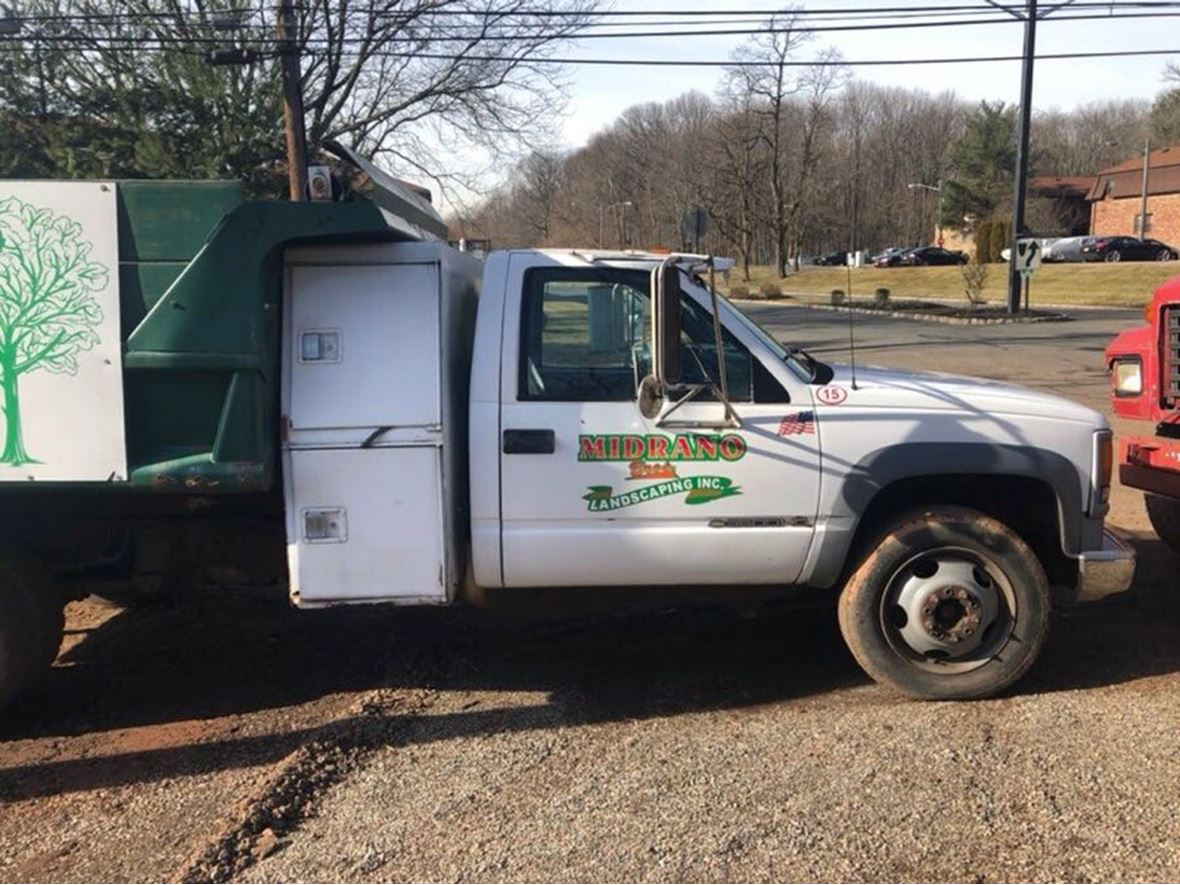 2001 Chevrolet 3500 hd for sale by owner in Scotch Plains