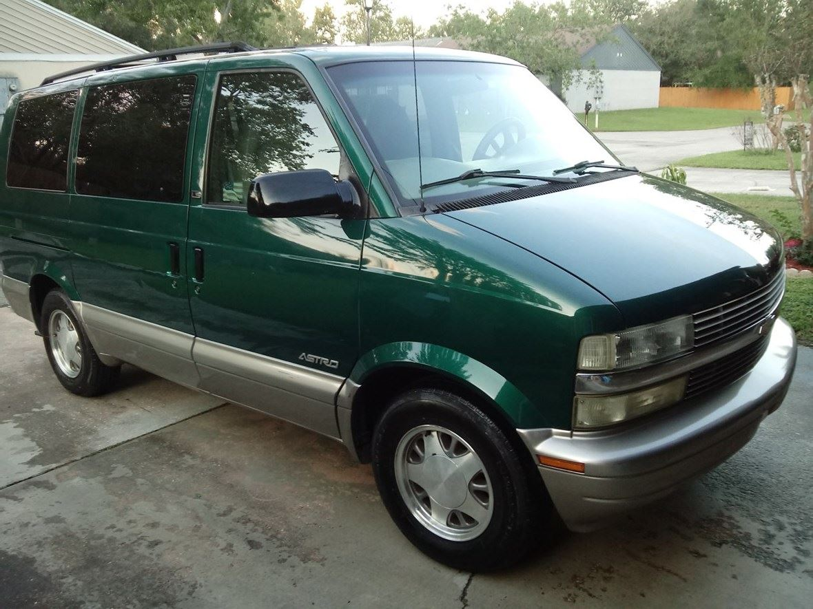2002 Chevrolet Astro for sale by owner in Jacksonville
