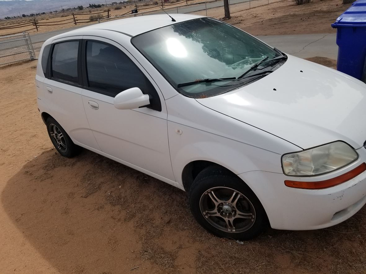 2005 Chevrolet Aveo for sale by owner in Apple Valley