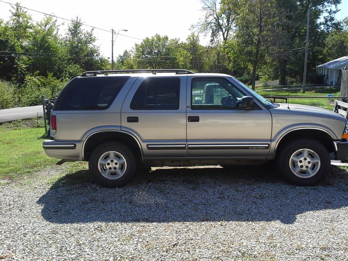 1999 Chevrolet Blazer for sale by owner in Kansas City