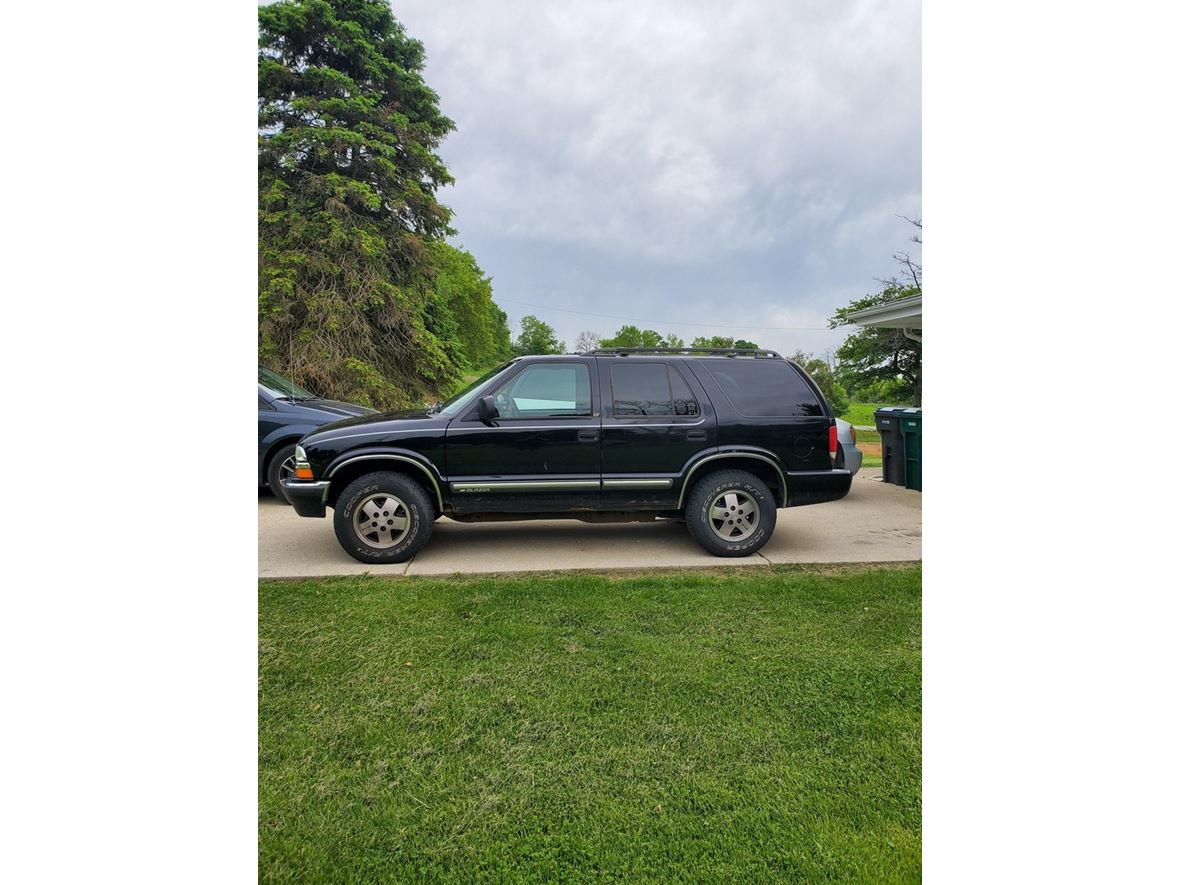2001 Chevrolet Blazer for sale by owner in New Berlin
