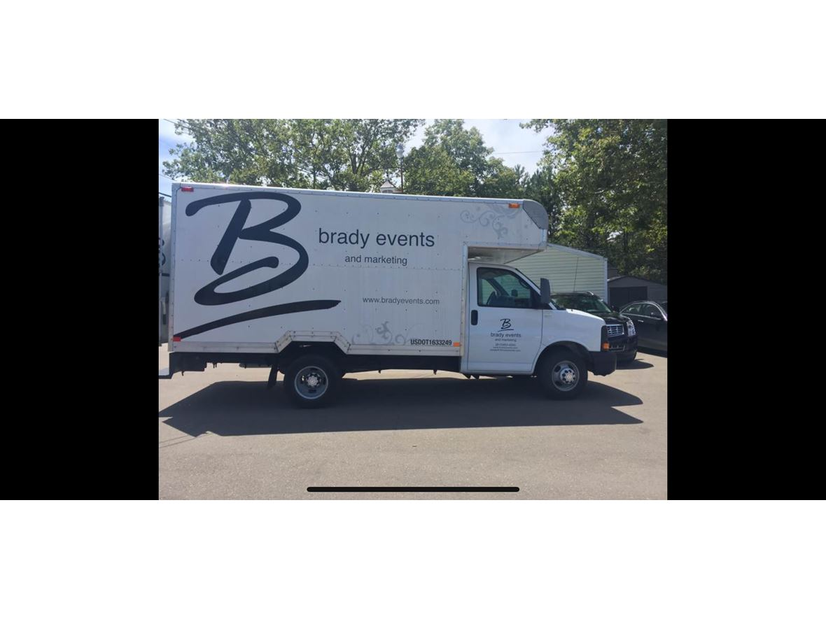 2006 chevrolet chevy van classic by owner in grand blanc mi 48439. Black Bedroom Furniture Sets. Home Design Ideas