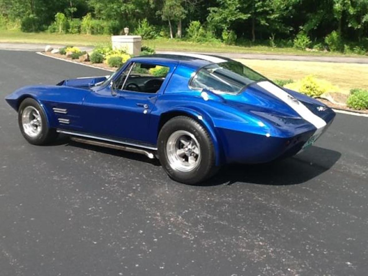 1963 chevrolet corvette - antique car