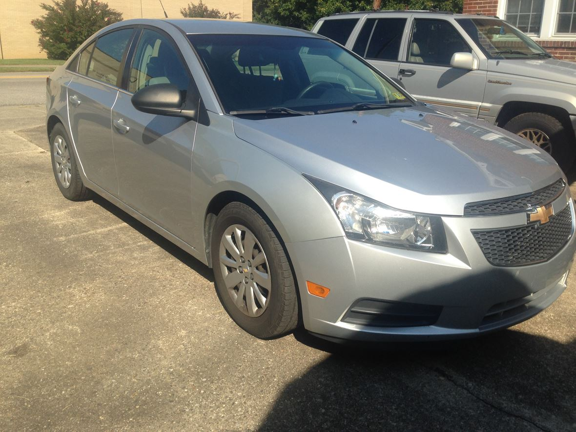 2011 Chevrolet Cruze for sale by owner in Saint Albans