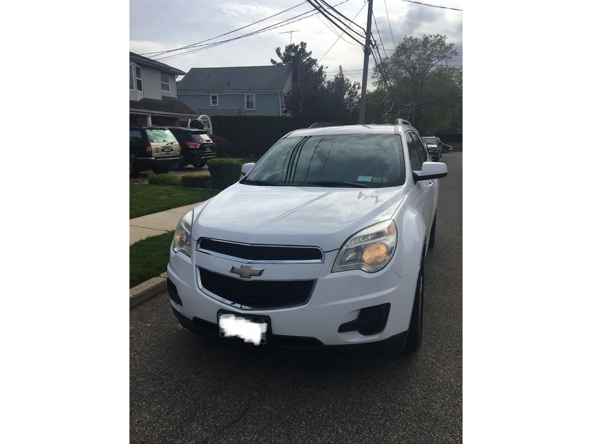 2010 Chevrolet Equinox for sale by owner in Westbury