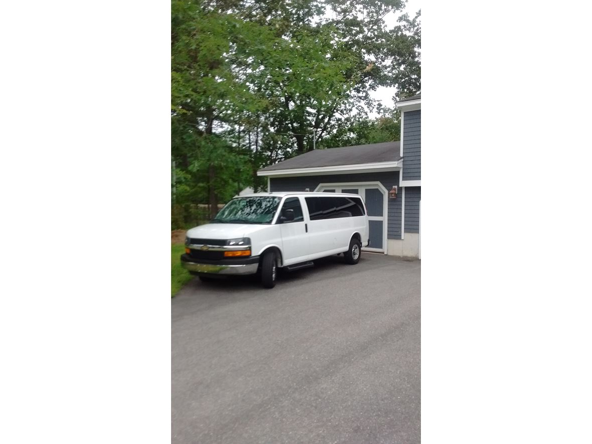 2015 Chevrolet Express for sale by owner in Sanford
