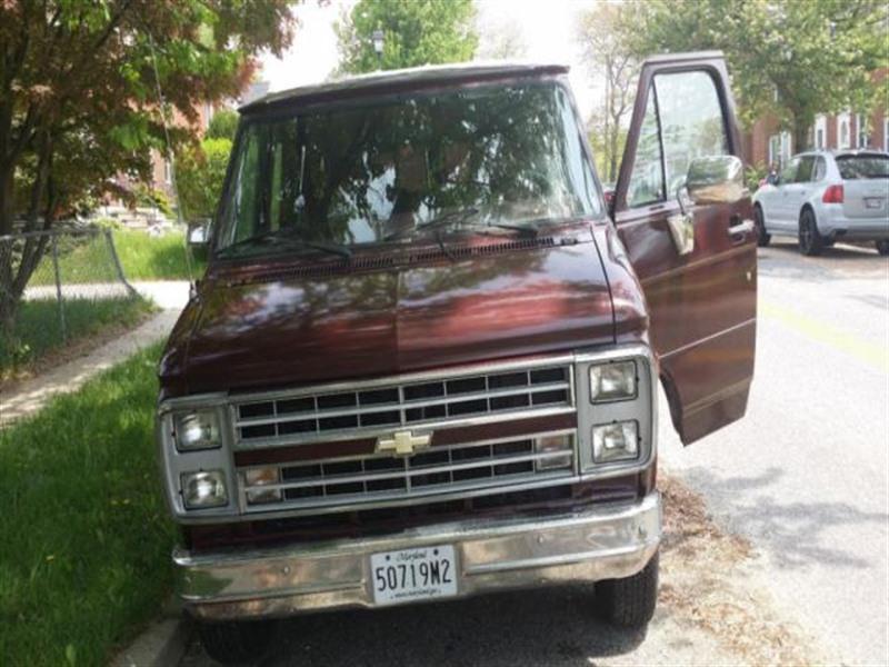 1991 Chevrolet G20 Van GLADIATOR V8 for Sale by Owner in Gambrills, MD  21054 - $2,000
