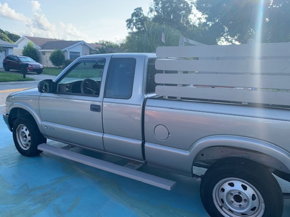 2002 Chevrolet S-10 for sale by owner in New Port Richey
