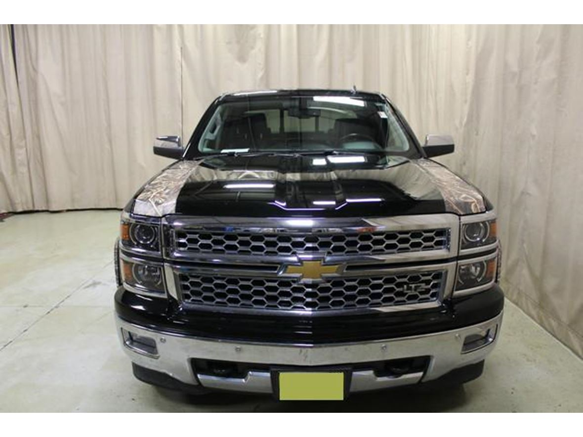 2014 Chevrolet Silverado 1500  for sale by owner in Chicago
