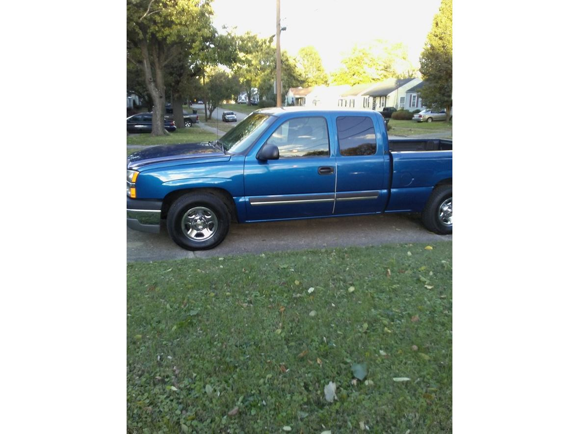 2003 Chevrolet Silverado 1500 Classic for sale by owner in Louisville