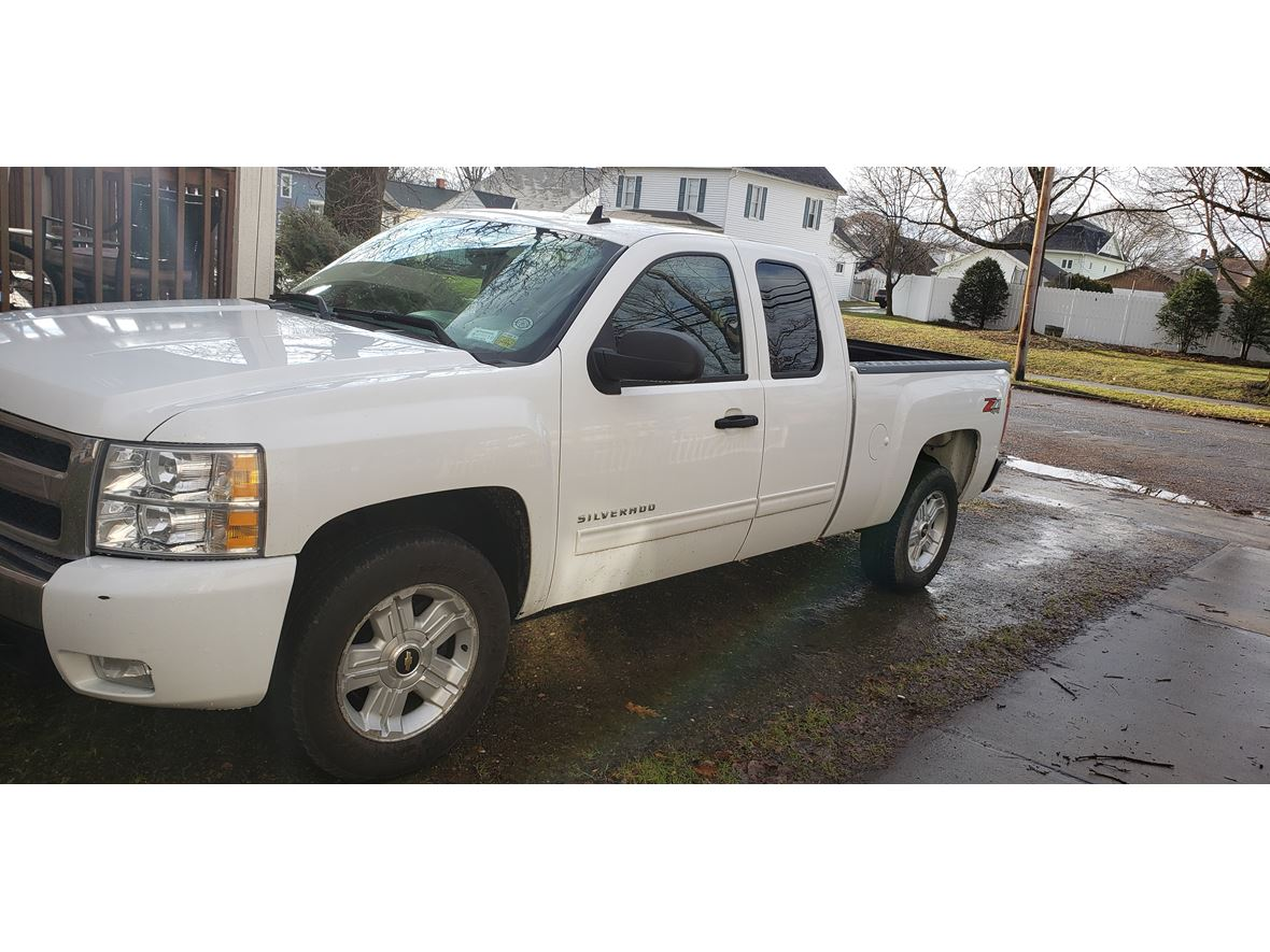 2011 Chevrolet Silverado 1500 Crew Cab LT z71 for sale by owner in Olean