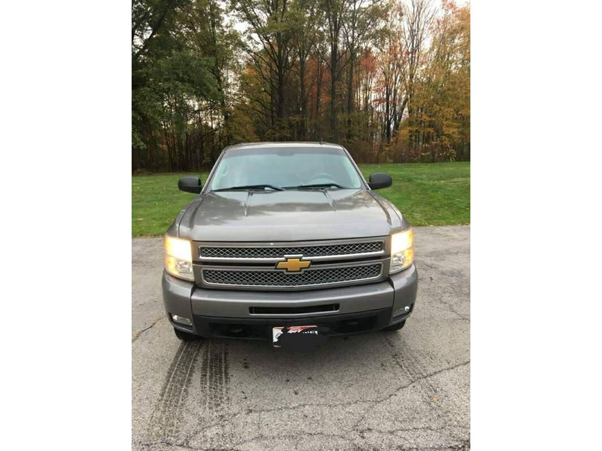 2012 Chevrolet Silverado 1500HD for sale by owner in Salem