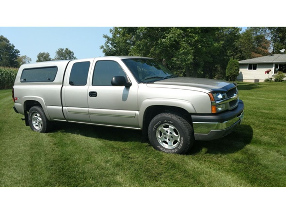 2004 Chevrolet Silverado for sale by owner in Clear Lake