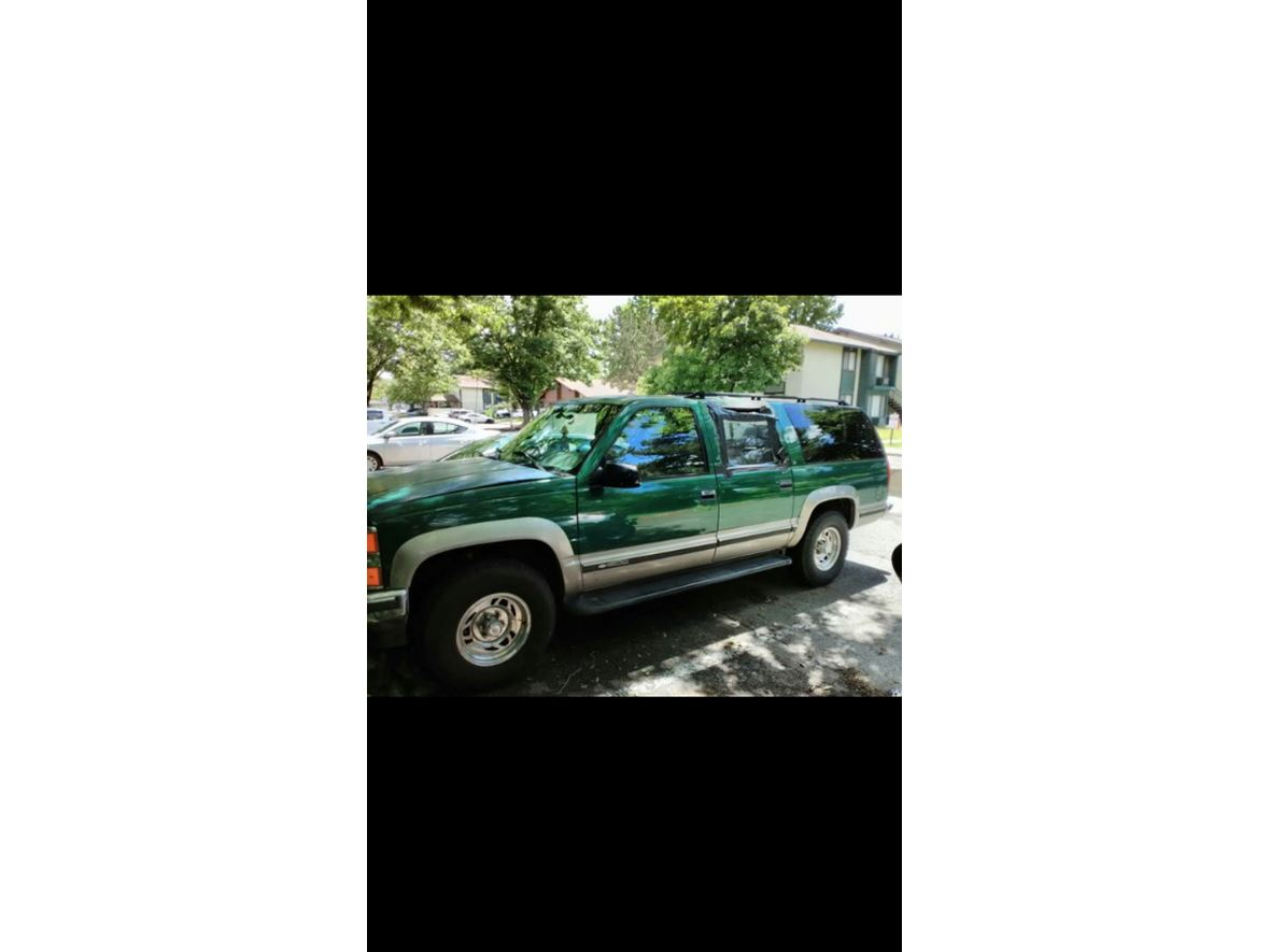 1999 Chevrolet Suburban for sale by owner in Elk Grove