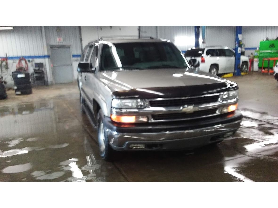 2001 Chevrolet Suburban for sale by owner in Ithaca