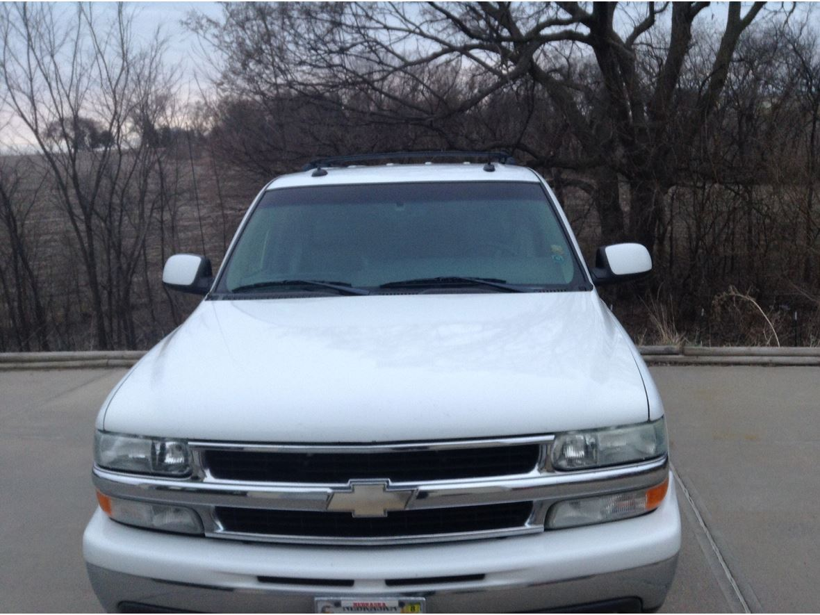 2003 Chevrolet Suburban for sale by owner in Springfield