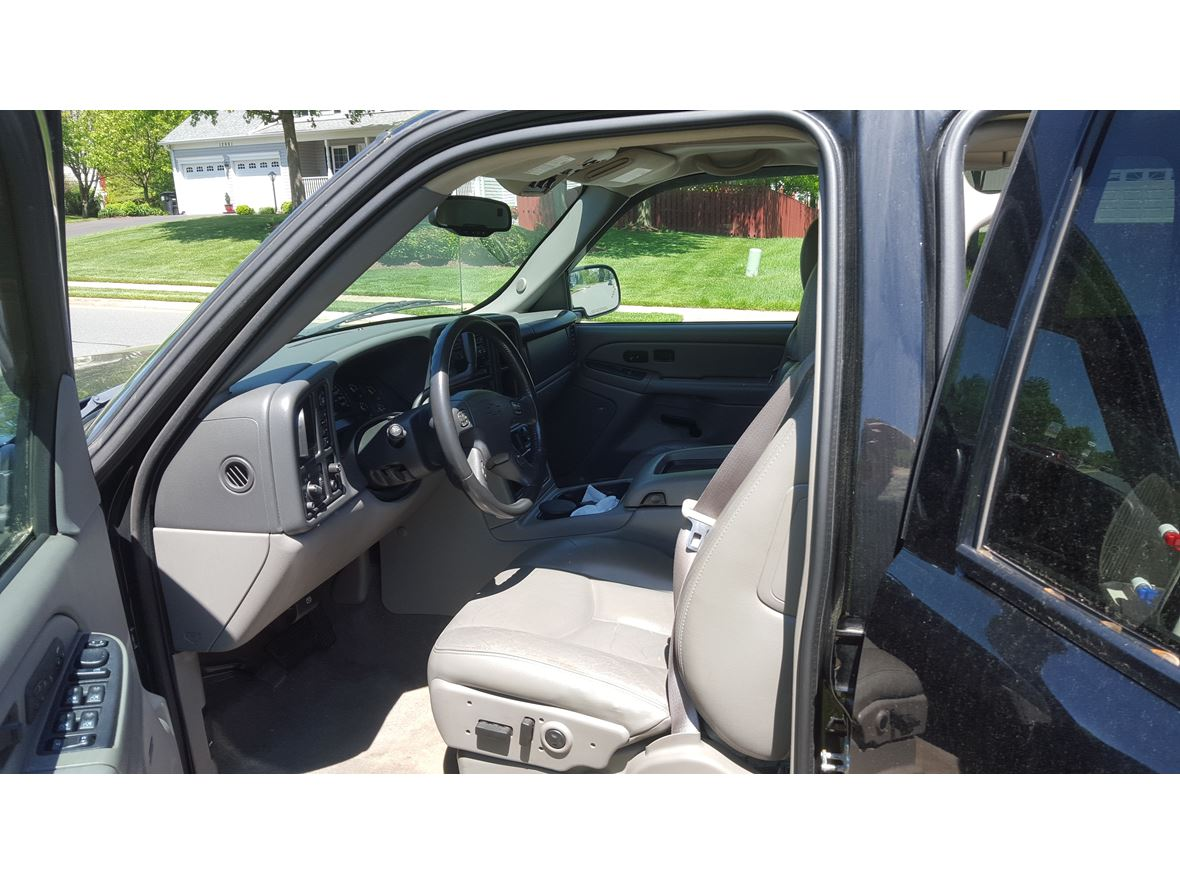 2004 Chevrolet Suburban for sale by owner in Woodbridge