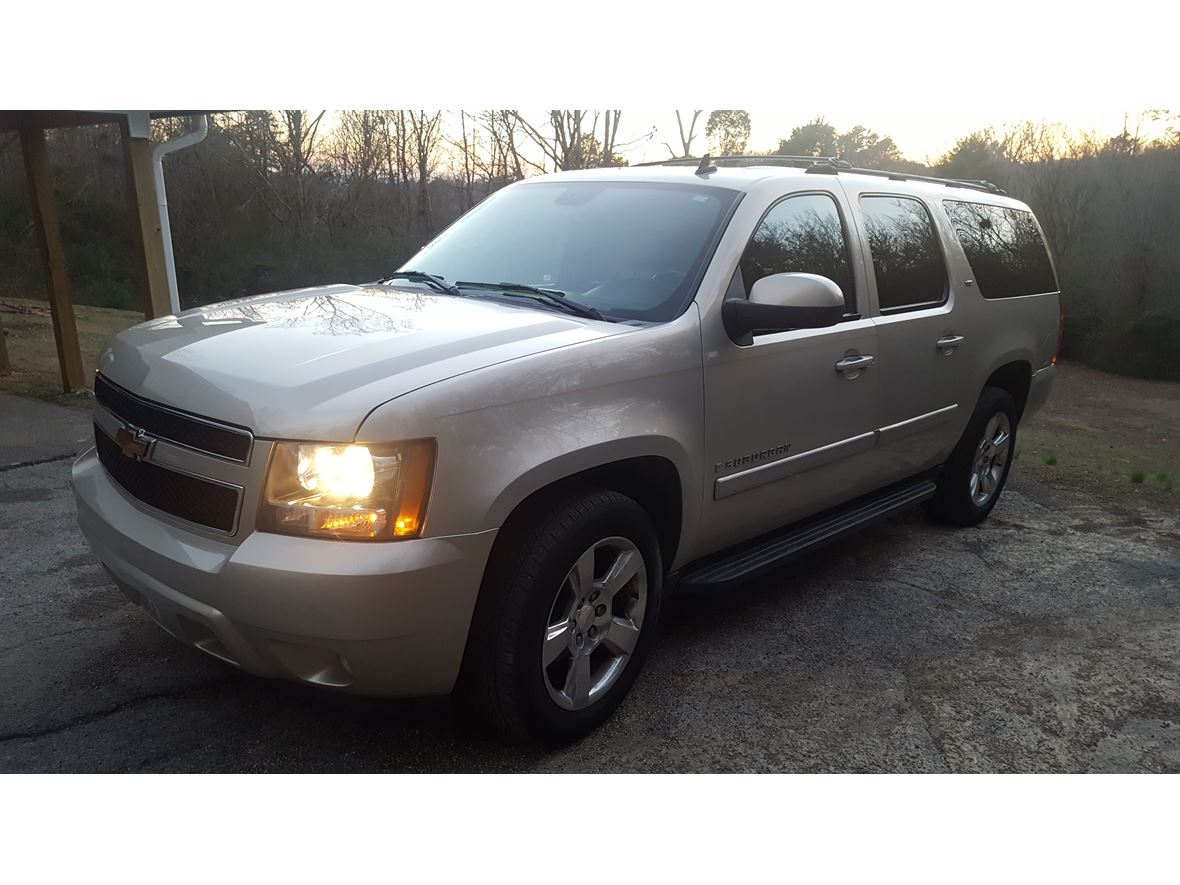 2007 Chevrolet Suburban for sale by owner in Kingston