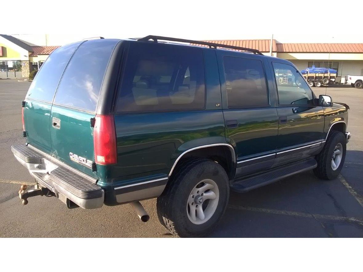 1999 Chevrolet Tahoe for sale by owner in Lincoln City