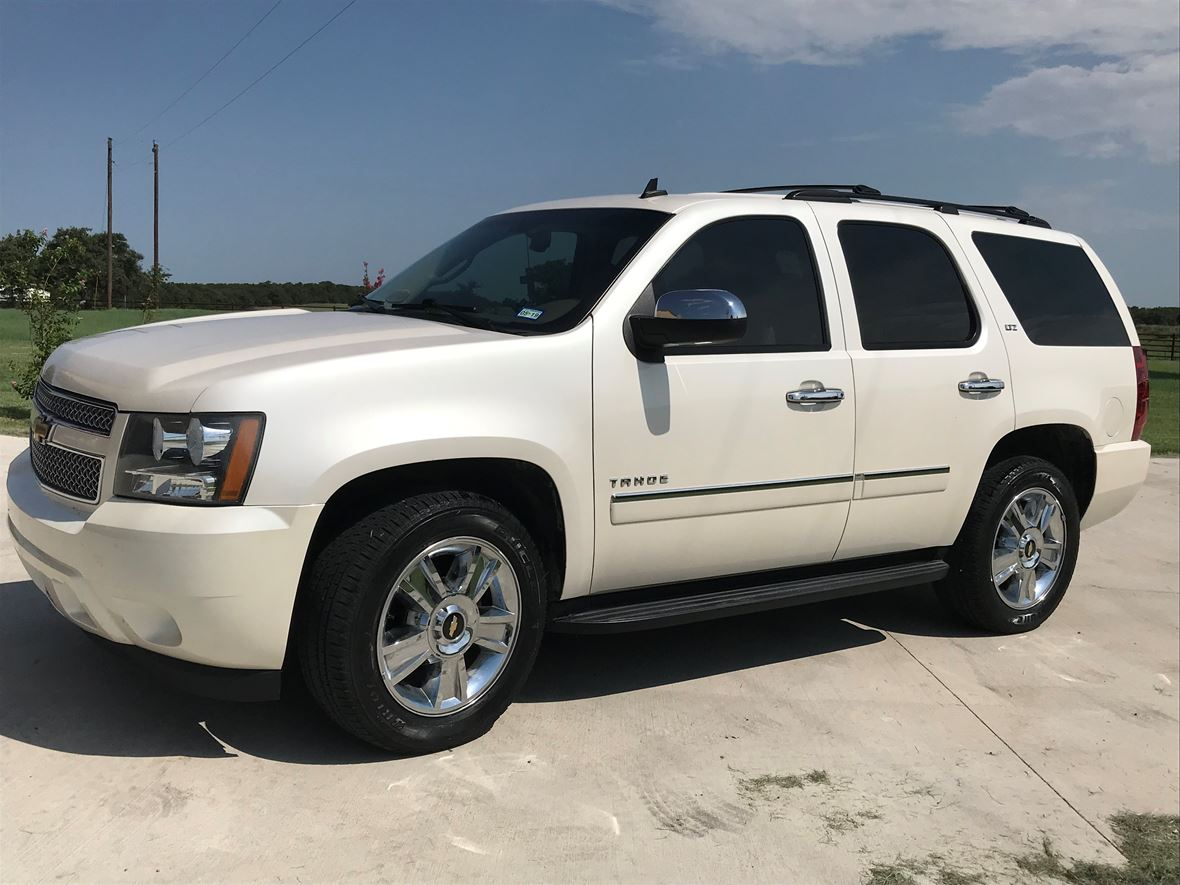 2010 Chevrolet Tahoe for sale by owner in Lipan