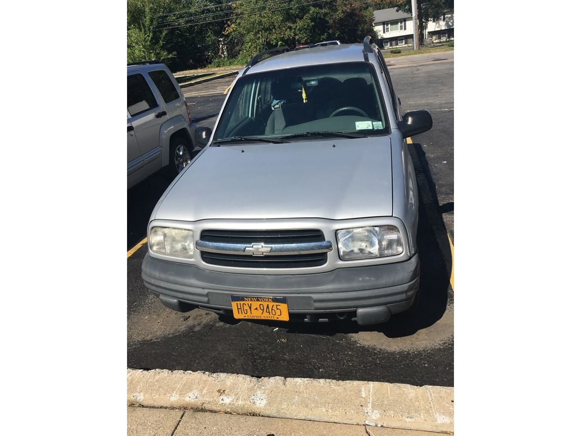 2000 Chevrolet Tracker for sale by owner in Maybrook