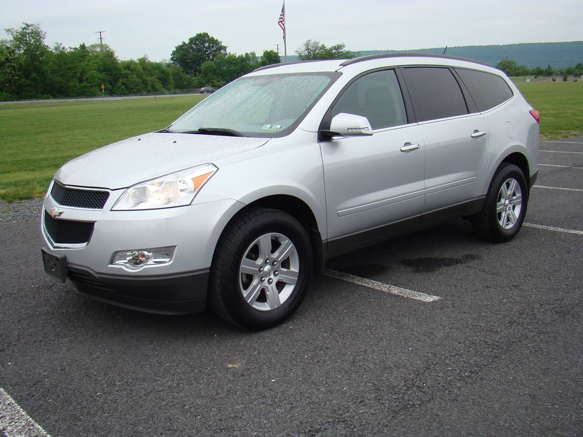 2011 Chevrolet Traverse for sale by owner in Enola
