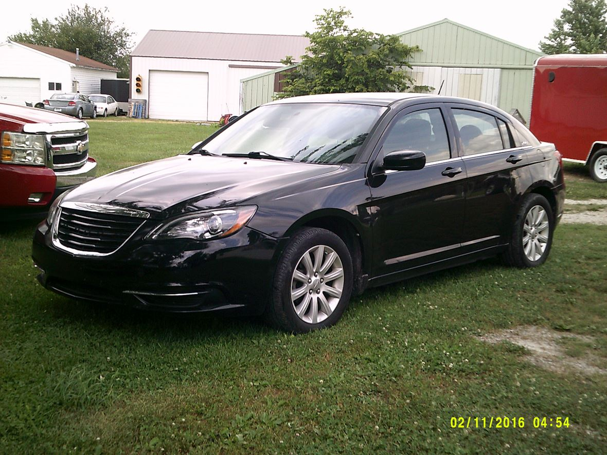 2013 Chrysler 200 for sale by owner in Greenfield