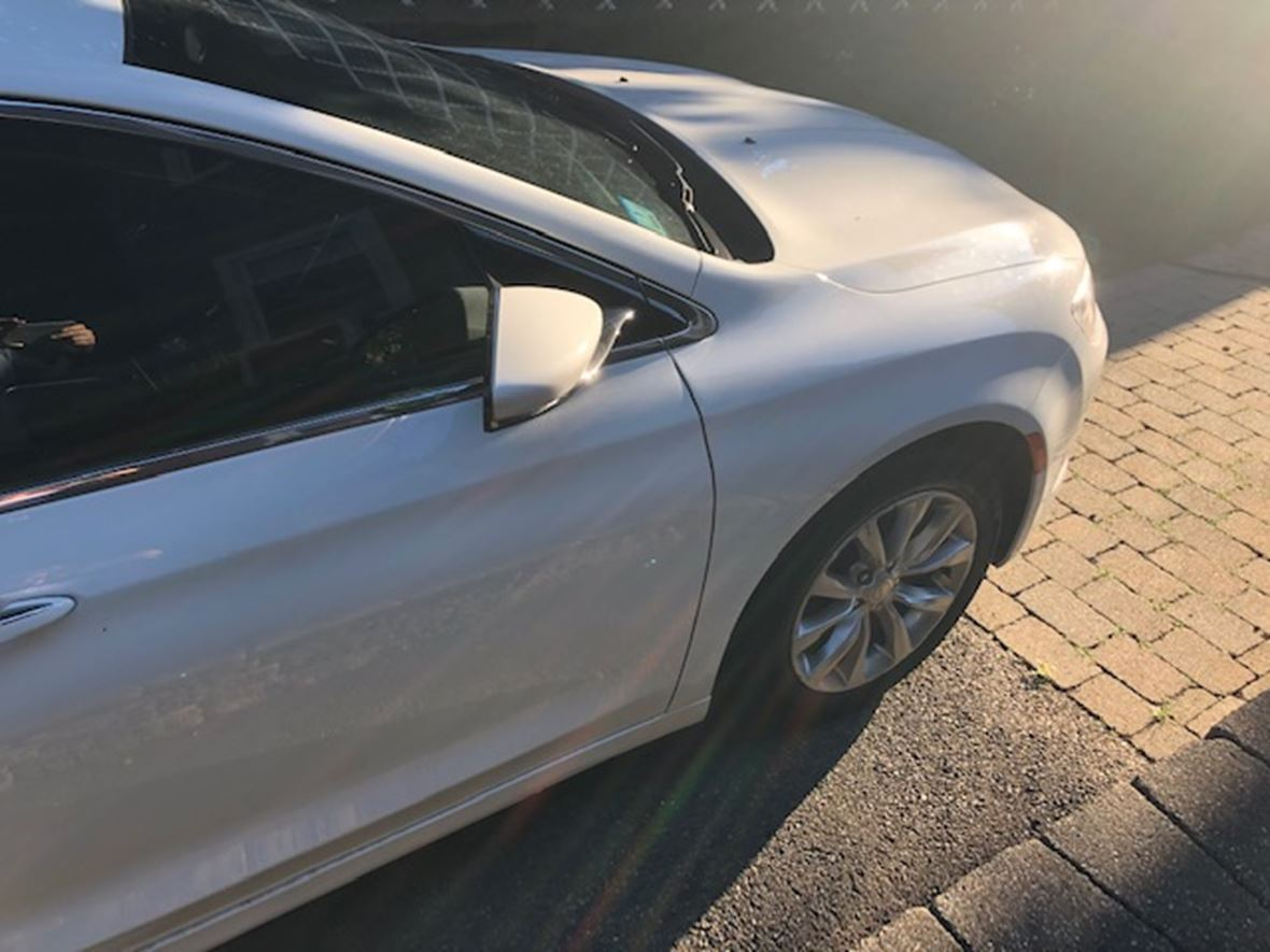 2015 Chrysler 200 for sale by owner in Dorchester