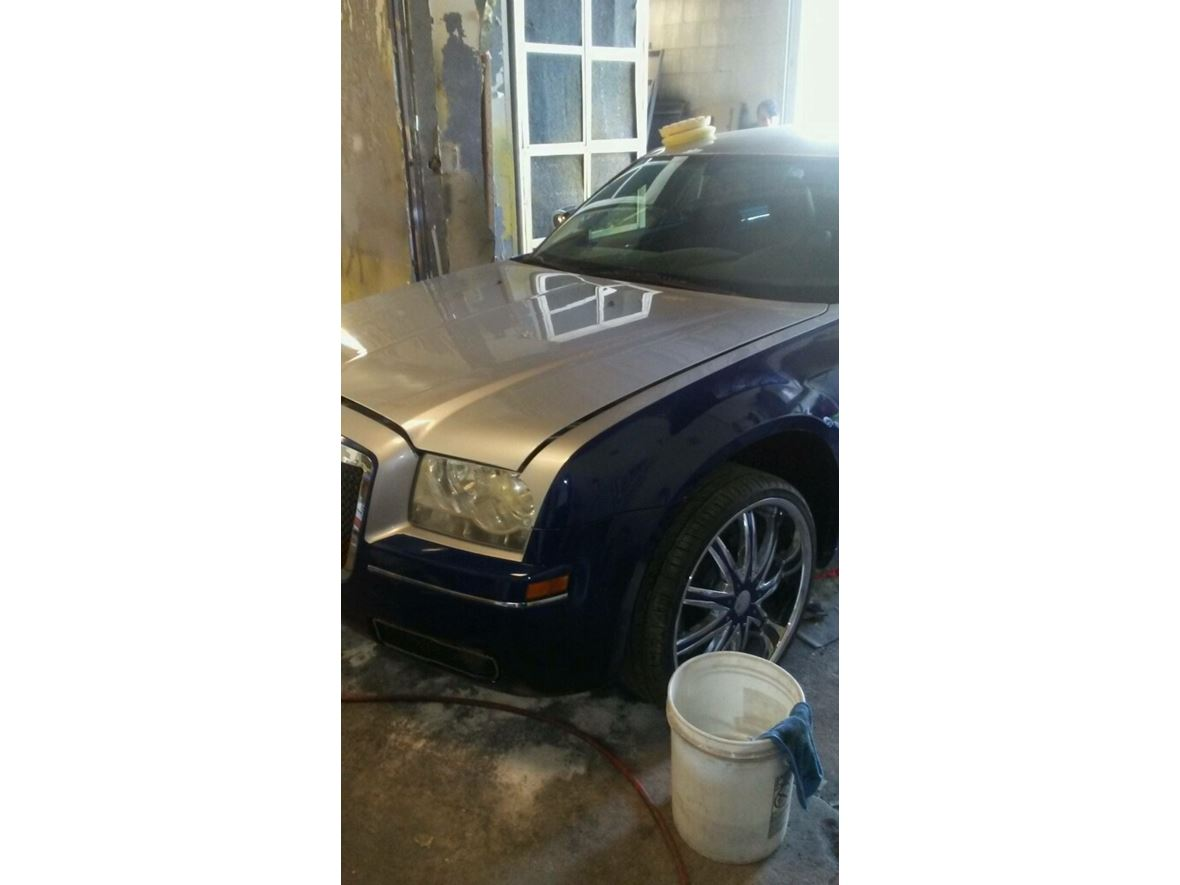 2006 Chrysler 300 for sale by owner in Versailles
