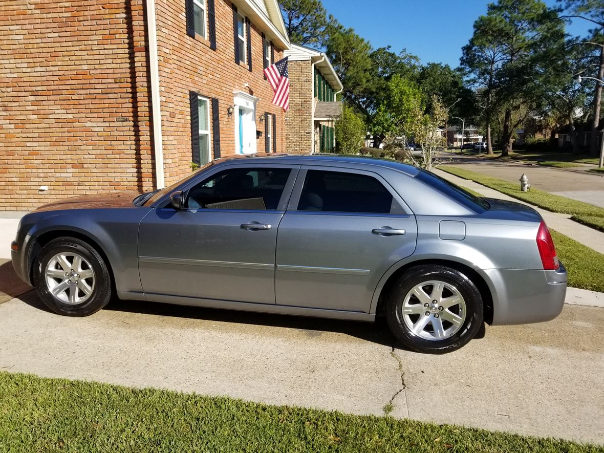 2006 Chrysler 300 for sale by owner in Gretna