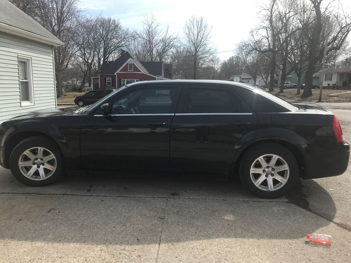 2006 Chrysler 300 for sale by owner in Blue Springs