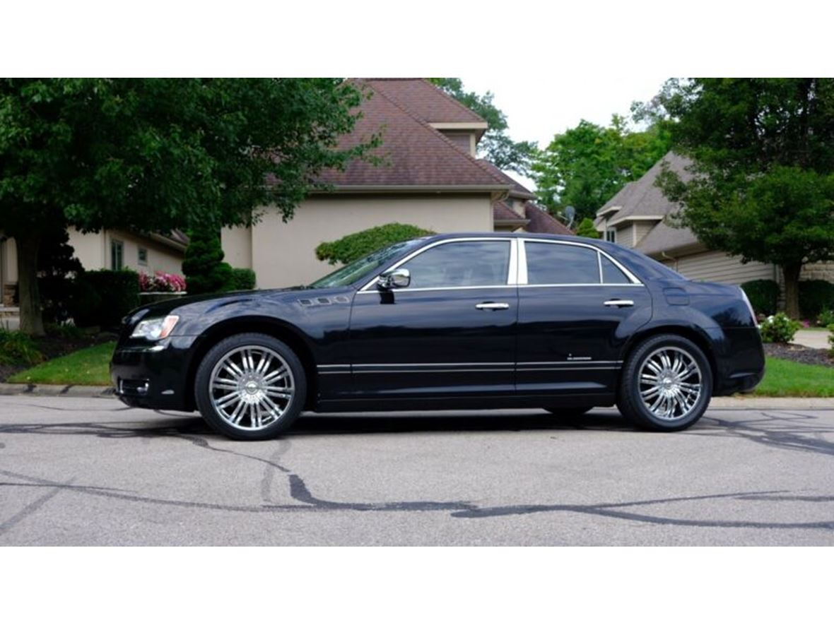 2011 Chrysler 300 Series for sale by owner in Shelby