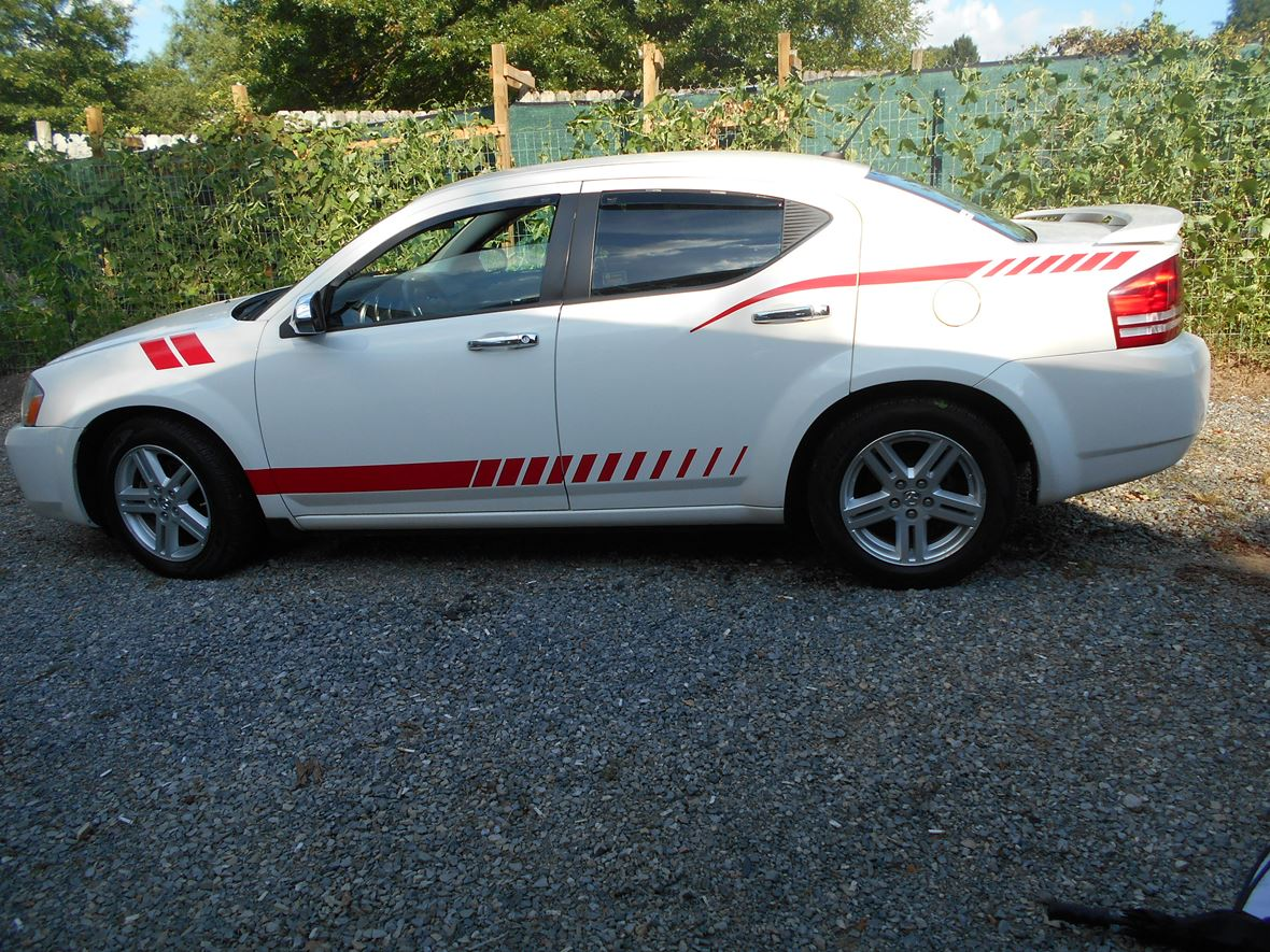 2009 Dodge Avenger for sale by owner in Roanoke