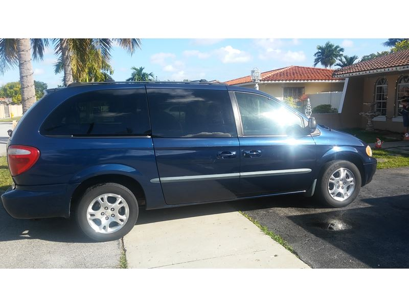 2002 Dodge Caravan for sale by owner in Miami
