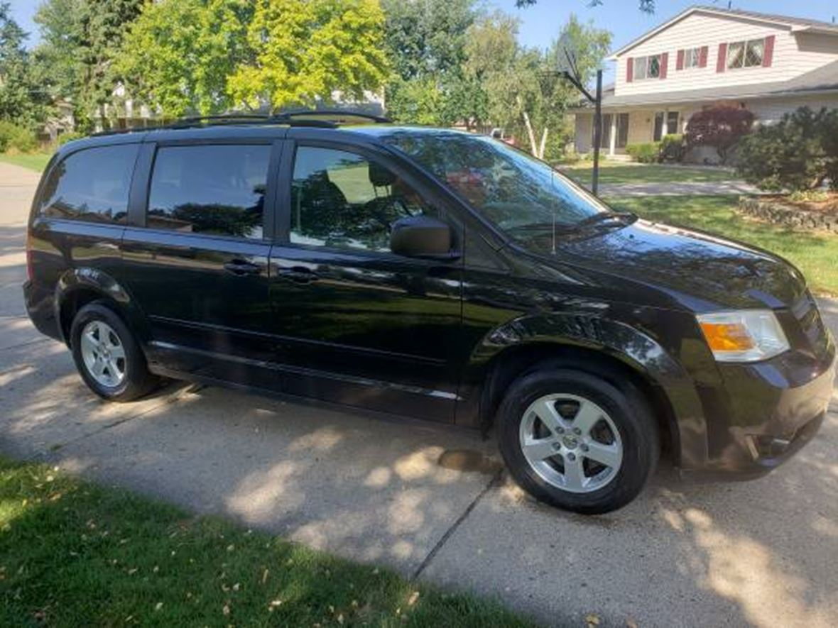 2010 Dodge Caravan for sale by owner in Clinton Township