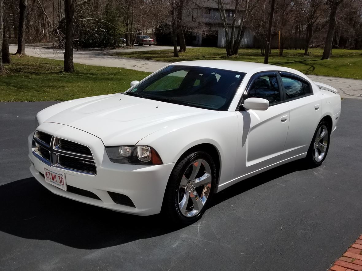 2011 Dodge Charger for sale by owner in Seekonk