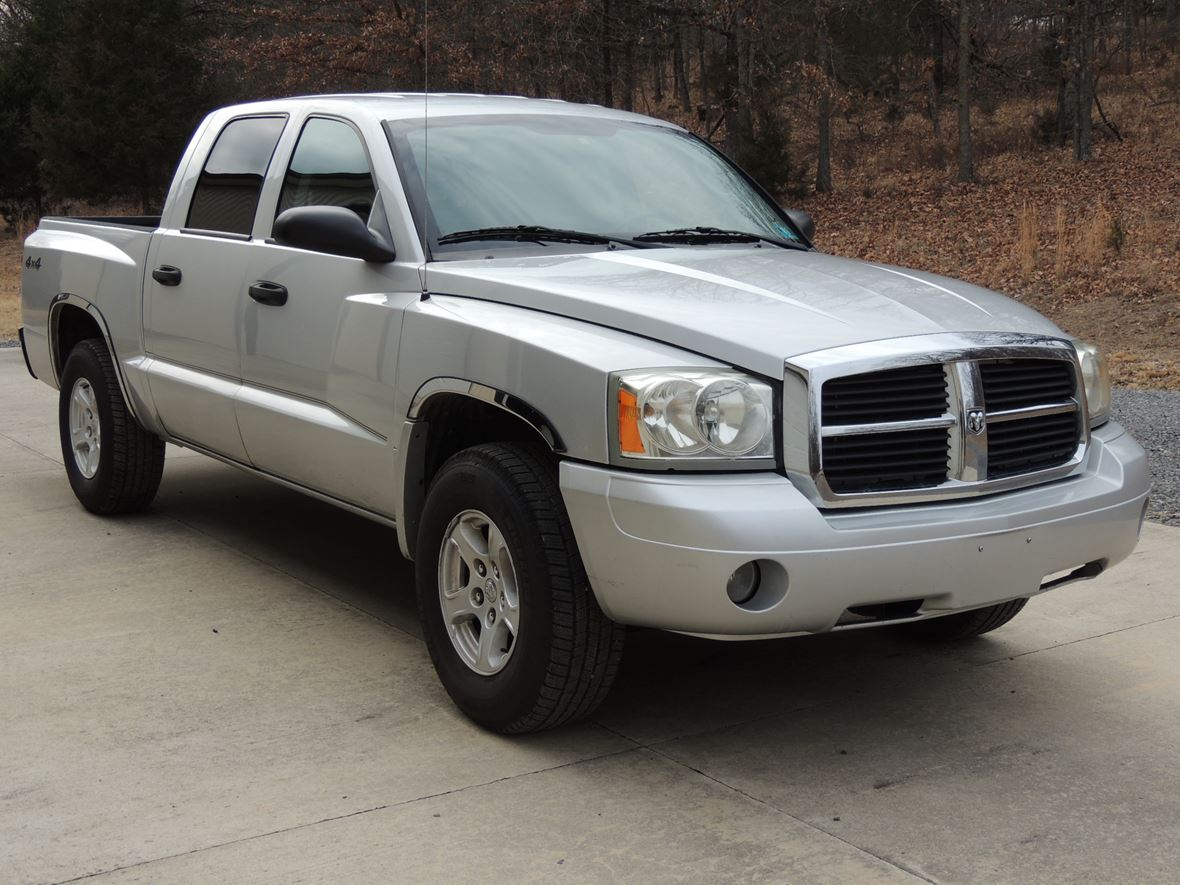 2006 Dodge Dakota for sale by owner in Moorefield