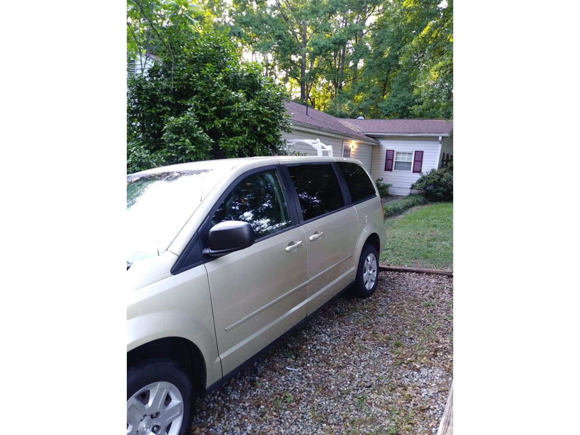 2010 Dodge Grand Caravan for sale by owner in Duncan