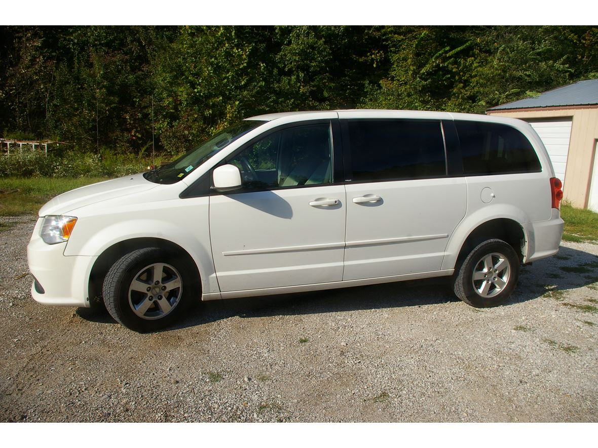 2012 Dodge Grand Caravan for sale by owner in Kansas City