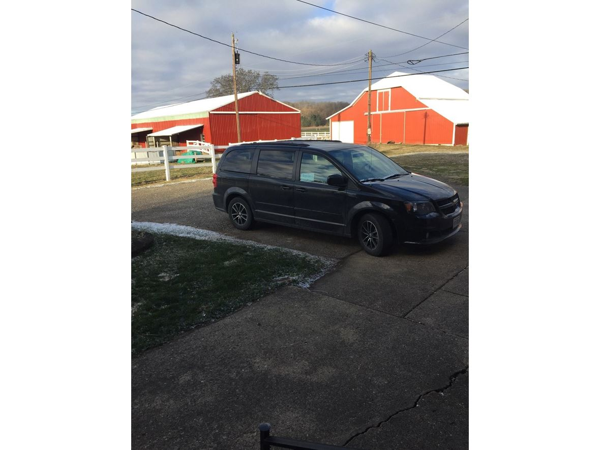 2016 Dodge Grand Caravan for sale by owner in Port Washington
