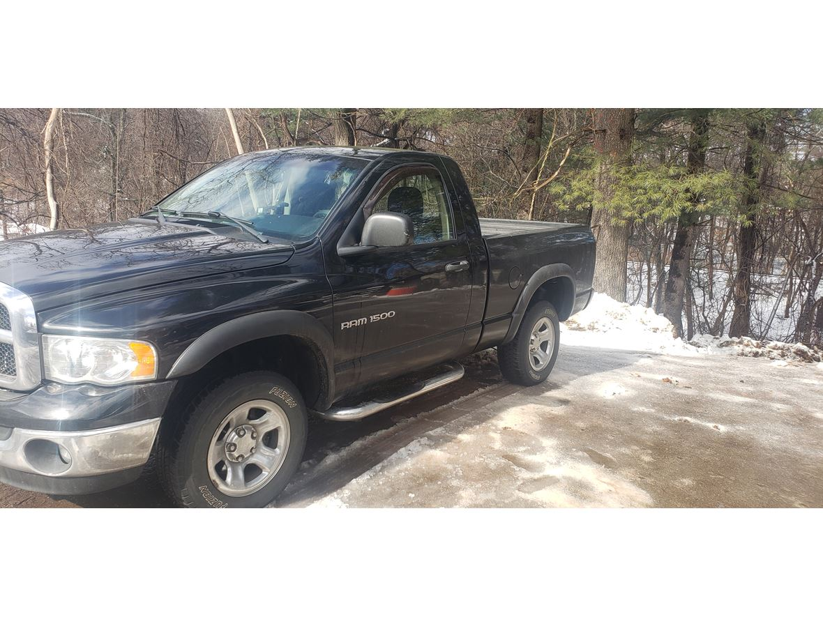 2005 Dodge Ram 1500 for sale by owner in Bristol