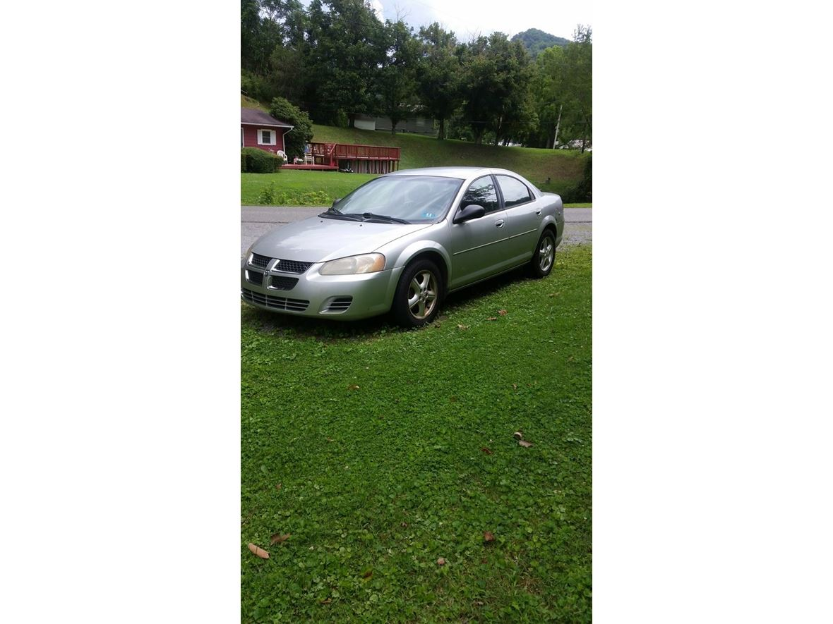 2005 Dodge Stratus for sale by owner in Gassaway