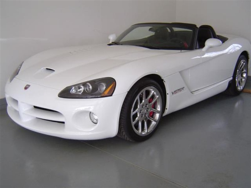 2004 dodge viper for sale by owner in saint paul mn 55123. Black Bedroom Furniture Sets. Home Design Ideas